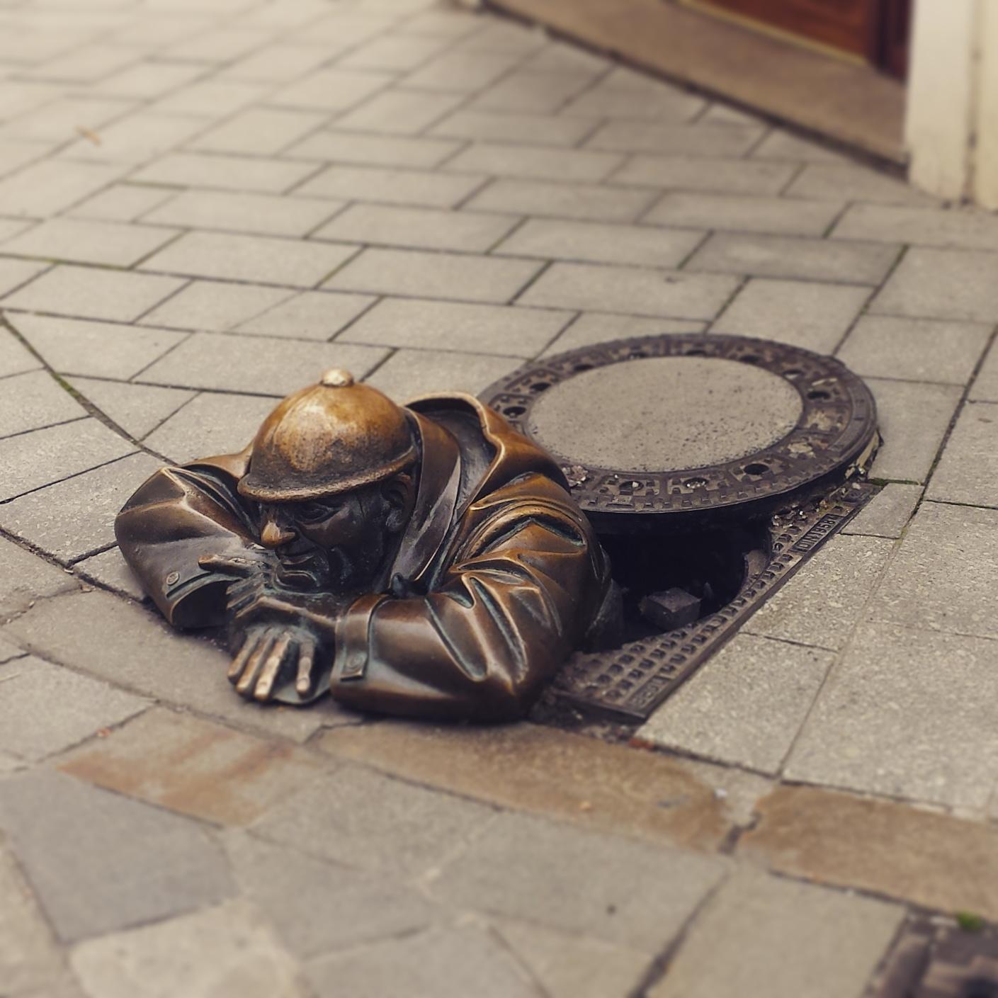 cosa vedere a bratislava statue