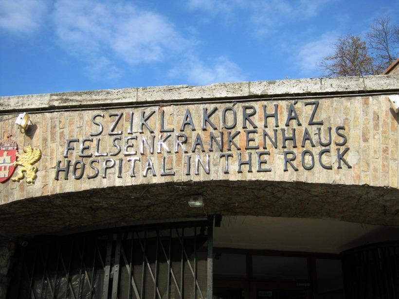 cosa vedere budapest ospedale roccia