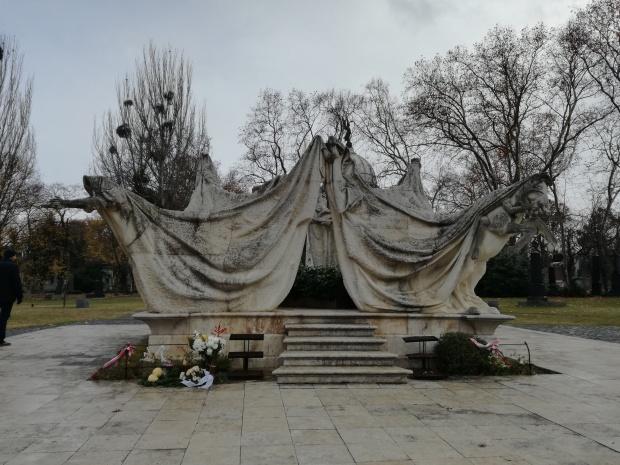 cosa vedere a budapest cimitero kerepesi
