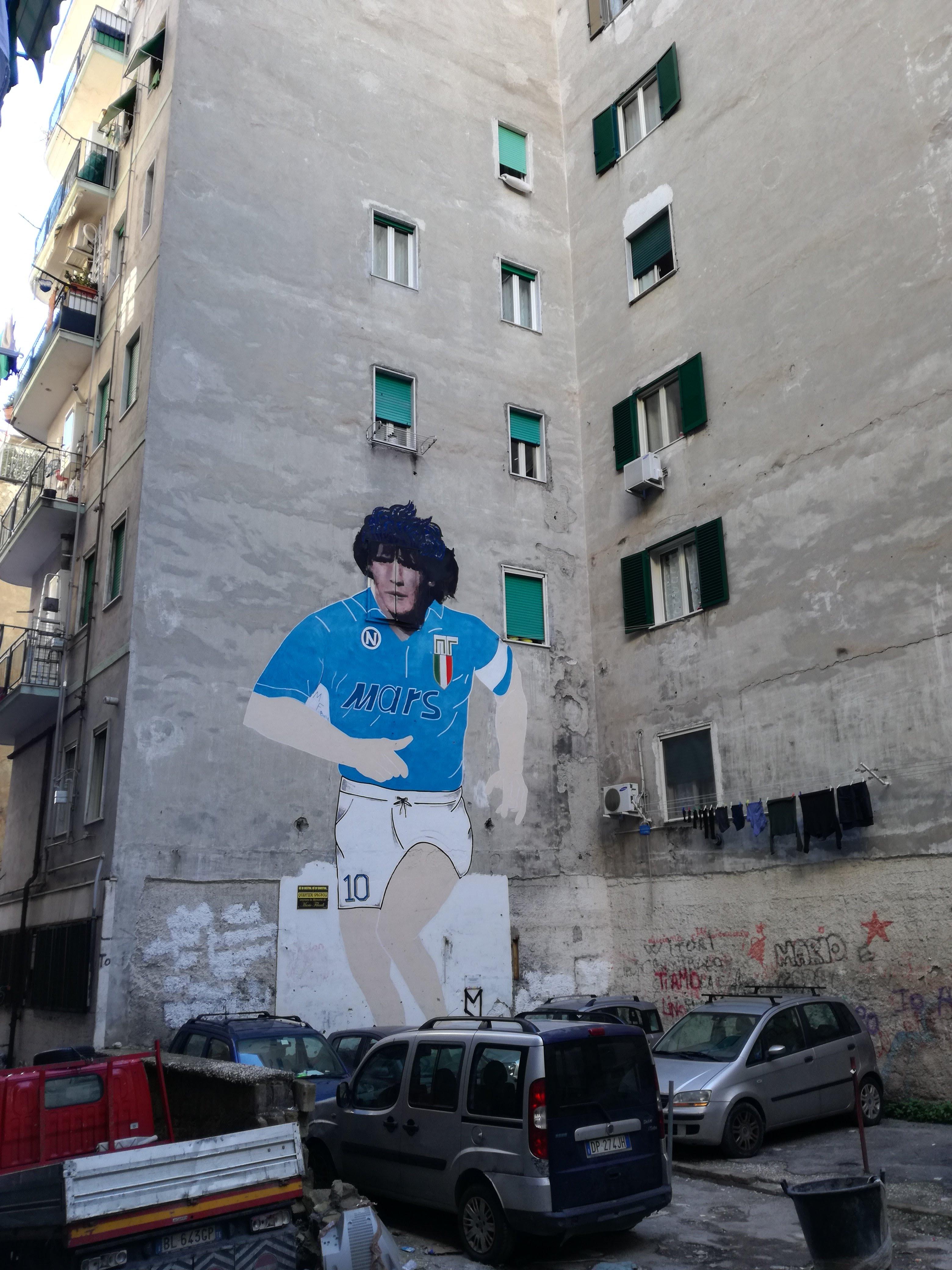 street art napoli maradona
