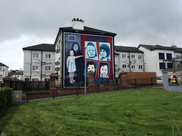 murales derry mothers and sisters